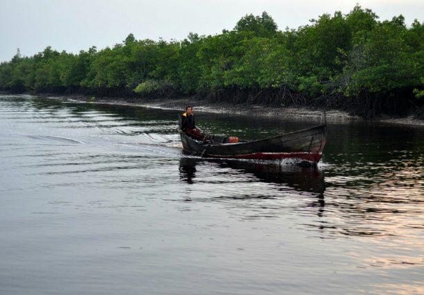 Aktifitas Nelayan Kuala Sungai